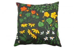 décoration coussin motifs fleuris klippan suède maison nordik paris