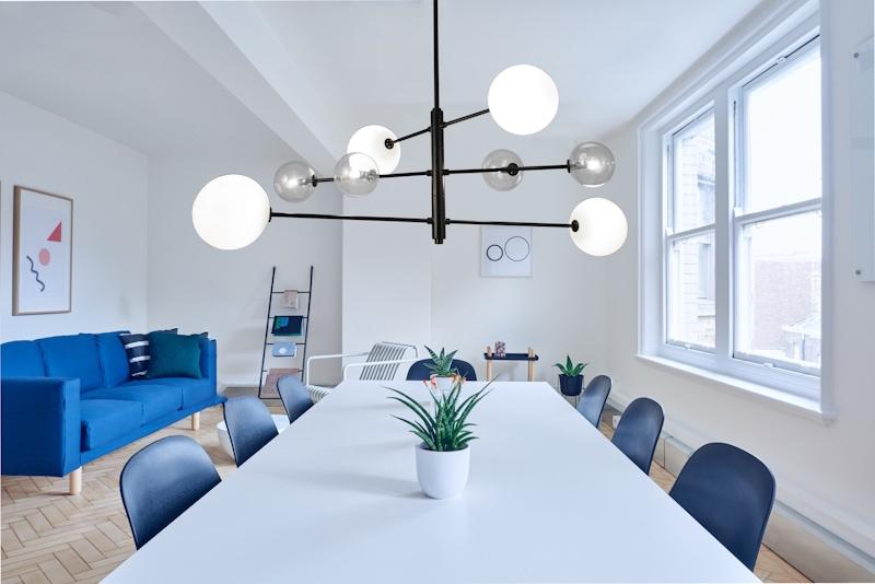 suspension en acier noir mod le 39 atom 39 maison nordik. Black Bedroom Furniture Sets. Home Design Ideas