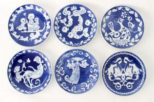 Petites assiettes en porcelaine Royal Copenhagen Danemark fêtes des mères maison nordik paris
