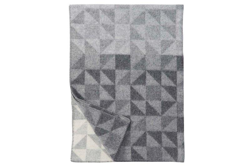 décoration plaid klippan suède laine agneau shape grey gris maison nordik paris