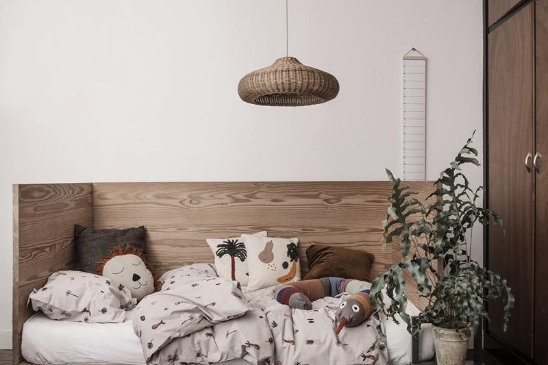 danish modern mid century vintage teck palissandre rio années 50 années 60 années 70 mobilier meuble ancien danois danemark scandinave maison nordik paris meubles décoration design editeur designer marque ferm living suspension en rotin modèle braided lampe lumière éclairage abat jour
