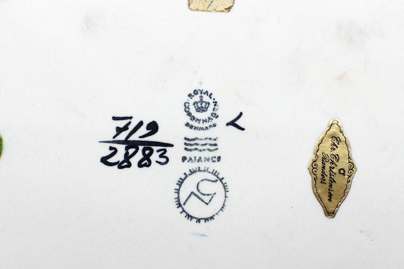 danish modern mid century vintage teck palissandre rio années 50 années 60 années 70 mobilier meuble ancien danois danemark scandinave maison nordik paris meubles décoration design editeur designer céramique royal copenhagen plat décoration faïence vase céramique