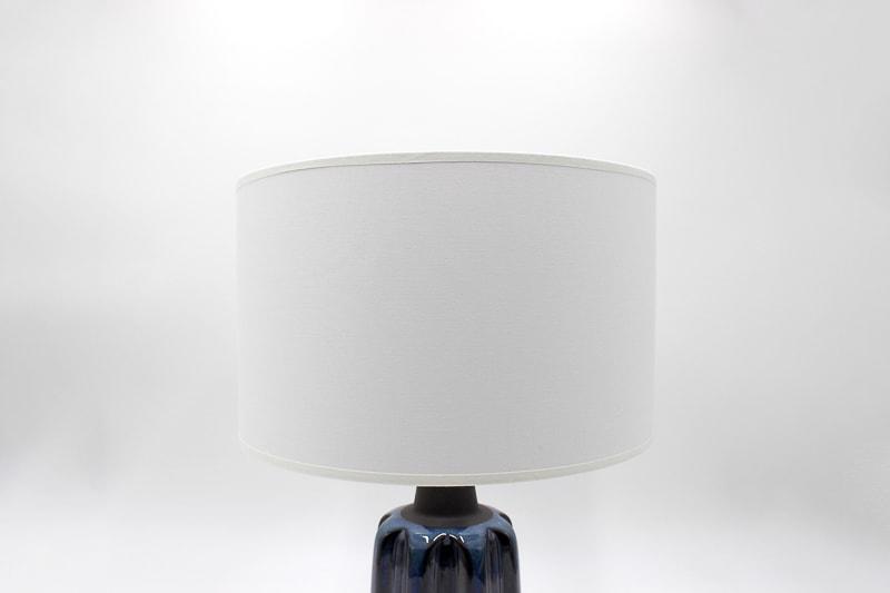danish modern mid century vintage teck palissandre rio années 50 années 60 années 70 mobilier meuble ancien danois danemark scandinave maison nordik paris meubles décoration design editeur designer céramique einar johansen lampe de table en faïence lampe céramique lumière éclairage
