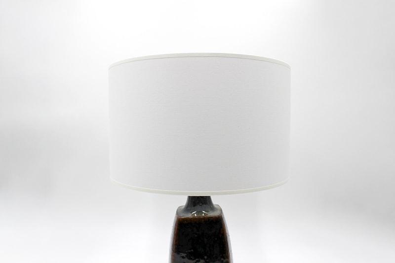 danish modern mid century vintage teck palissandre rio années 50 années 60 années 70 mobilier meuble ancien danois danemark scandinave maison nordik paris meubles décoration design editeur designer céramique jytte trebbien lampe de table en faïence lampe céramique lumière éclairage